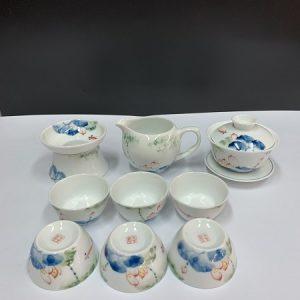 Bộ ấm trà đẹp dáng chén khải có nắp pha trà tiện lợi gốm cảnh đức họa sen thủ công.