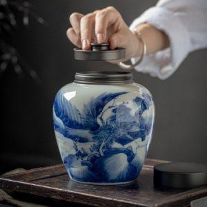 Hũ đựng trà sứ cao cấp họa tiết vẽ tay thủ công đẹp nắp xoáy kín 100% 900ml
