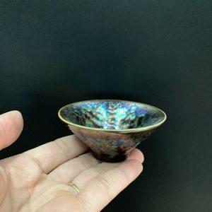 chén trà thiên mục dáng nón sắc men lên đều và đẹp cầm vừa tay thủ công 50ml.