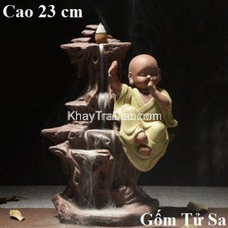 tượng xông trầm gốm tử sa dáng chú tiểu 3 không ngồi trên thác nước