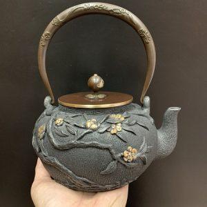 ấm tetsubin gang cao cấp đắp nổi hoa thủ công đun nước pha trà ngon 1,2 lít