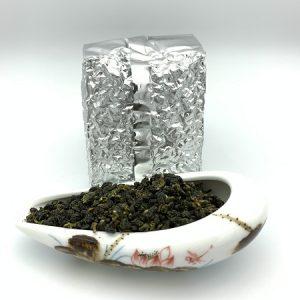 trà ô long trắng lâm đồng loại ngon hương rất thơm túi hút chân không 250g đảm bảo.
