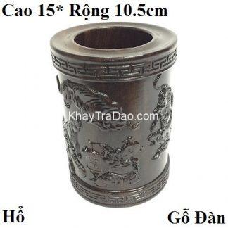 ống đựng bút bằng gỗ đàn hương đen chạm khắc họa tiết hổ nổi đẹp ob04