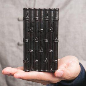 hộp đựng trà bằng gỗ mun nắp kiểu mộng rất khít dáng đốt trúc thủ công cực đẹp cao 12cm