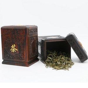 lọ đựng trà gỗ trắc gân nổi phỏng cổ dáng hộp chữ nhật nắp mộng khít chặt cao 12,5cm.