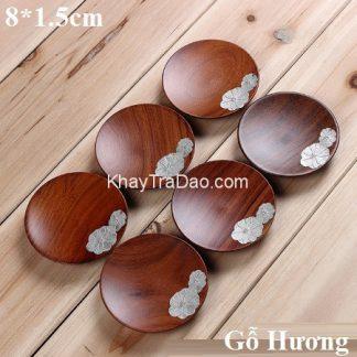 lót lý trà gỗ hương đính họa tiết bạc thủ công dáng tròn đẹp