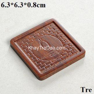 đế chén trà tre khắc họa tiết thiền dáng vuông dùng để lót ly trà rất đẹp