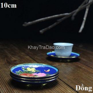 đĩa lót chén trà bằng đồng dáng tròn sơn màu họa tiết hoa bền đẹp