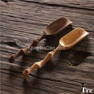 xúc trà tre dạng đốt trúc dùng để lấy trà từ trong hũ đựng ra kiểu dáng đẹp