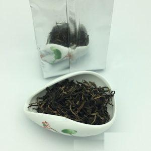 hồng trà loại ngon được làm từ trà cổ thụ tây côn lĩnh loại 1 búp 1 lá cực phẩm.