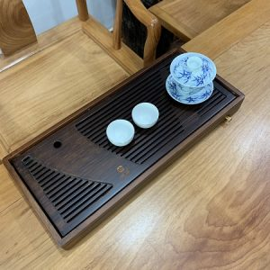 khay trà tre cao cấp dạng hộp màu gỗ chiêu liêu sang trọng bền đẹp dài 50cm.