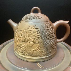 ấm trà cao cấp dáng tần quyền khắc rồng nhả ngọc nổi gốm nê hưng hoả biến cực đỉnh 350ml.