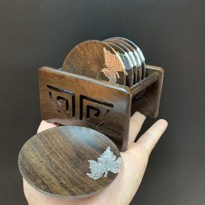 Bộ lót ly trà gỗ gụ dáng tròn đính lá bạc gồm 6 cái thủ công đẹp làm đế chén