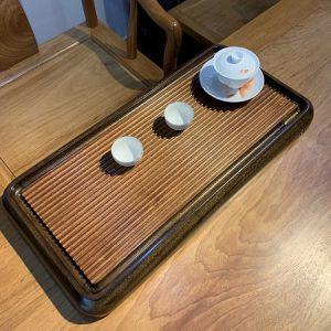 Khay trà gỗ nguyên khối dạng bakelite gân sóng nổi bày ấm chén trà 60x32cm bền vĩnh cửu