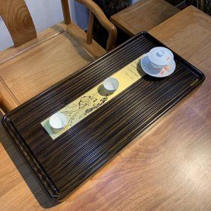 Khay trà gỗ nguyên khối dạng Bakelite thoát nước cực tốt thanh đồng họa sơn thủy bền đẹp 70x35cm